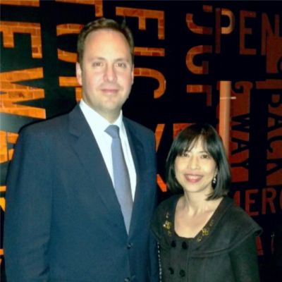 Hon Steve Ciobo MP, Minister for Trade, Tourism and Investment with Yan Grieve, Director of AXCEN.